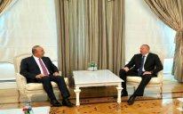İlham Əliyev Türkiyənin xarici işlər nazirini qəbul edib