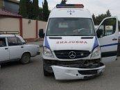 Yevlax xəstəxanasından xəstələri təxliyyə edən ambulans qəzaya düşdü