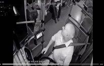 Bakıda avtobus sürücüsünə silah çəkən şəxs həbs edildi – VİDEO