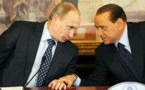 Berluskoni Putinə ad günündə yorğan üzü bağışlayıb