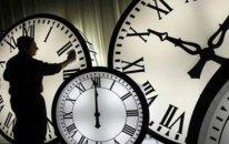 Bazar günü bəzi telefonların saatları avtomatik geri çəkiləcək – DİQQƏT