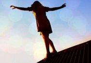 Bakıda intihar: Zorla qaçırılan qız özünü binadan atdı