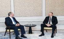 İlham Əliyev Britaniya parlamentinin bir qrup üzvü ilə görüşüb