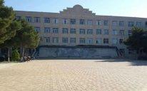 Sumqayıt Dövlət Universitetinin əsas binasının girişi uçdu - Fotolar