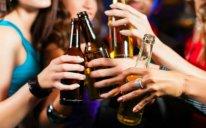 Alimlər təsdiqlədi — Alkoqollu içkilər xərçəng yaradır