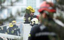 Bakıda yaşayış binasında YANĞIN: 25 nəfər təxliyə edildi