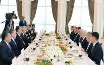 Oqtay Əsədov  və Tacikistan Prezidenti birgə işçi nahar ediblər – FOTO