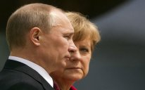 Merkel Rusiyanı Postsovet ölkələrində sabitliyi pozmaqda ittiham edib