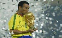 Futbol üzrə braziliyalı ikiqat dünya çempionu Bakıya gələcək