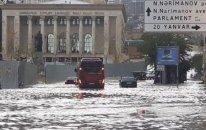 """Bakının kanalizasiya sistemi yenə """"boğuldu"""" - səbəblər"""