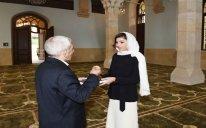 Mehriban Əliyeva İmam Hüseyn məscidinin bərpadan sonra açılışında iştirak edib – FOTO