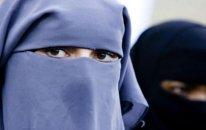 Gürcüstan ictimai yerlərdə İslam dininə aid qadın geyimlərini qadağan edir