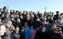 Prezident Sumqayıtın dənizkənarı bulvarında şəhərin sakinləri ilə görüşdü – FOTO