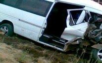 Qaradağda mikroavtobus aşdı: 3 əcnəbi vətəndaş öldü