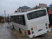 Xırdalanda sərnişin avtobusu yeni qazılmış yolda batıb - FOTO