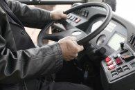 Bakıda avtobusa hücum olub: sürücü döyülüb, nəqliyyat vasitəsinin şüşəsi sındırılıb