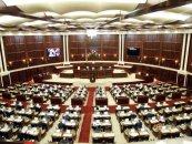 Milli Məclisin deputatlarına 2452 manat məbləğində əməkhaqqı və müavinət verilir