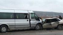 İsmayıllıda mikroavtobus qəzaya düşüb, ölən və yaralananlar var
