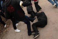 Biləsuvarda məktəbli bir qrup şagird tərəfindən döyüldü