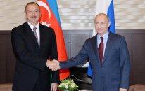 Vladimir Putin İlham Əliyevi təbrik edib