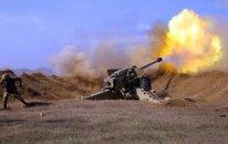 Artilleriyaçılarımız düşmənin atəş nöqtələrinə zərbələr endirir  - VİDEO