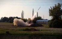 Artilleriya bölmələrimiz düşmənə sarsıdıcı zərbələr endirməyə davam edir  — VİDEO
