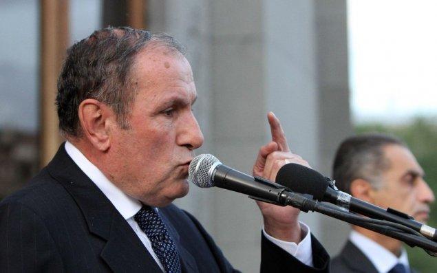 """Levon Ter-Petrosyan:   """"Ermənistanı vətəndaş müharibəsi gözləyir"""""""