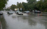 Yağış suları ilə dolmuş ərazilərə FHN əməkdaşları cəlb olunub