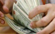 Azərbaycanda dollar alışı 60 dəfə düşdü
