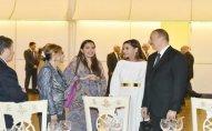 Prezident ailəsi ilə qonaqların şərəfinə verilən ziyafətdə - Foto