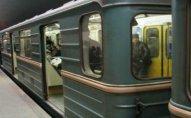 Metroda HƏYƏCANLI ANLAR - Qatar tuneldə qaldı
