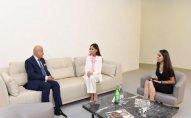 Mehriban Əliyeva ISESCO-nun baş direktoru ilə görüşdü
