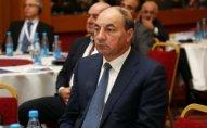 Prezident sabiq naziri təltif edib
