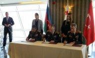 Müdafiə nazirləri birgə sənəd imzaladılar – FOTO