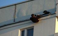 Bakıda ticarət mərkəzində intihara cəhdin qarşısı alındı