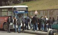 Bakıda avtobus işıq dirəyinə çırpıldı - Fotolar