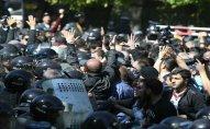 Ermənistanda 30-a yaxın etirazçı saxlanılıb