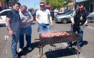Ermənistanda fəallar İran və Gürcüstan yolunu bağladı