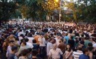 Paşinyanın tərəfdarları Yerevanın mərkəzində toplaşırlar