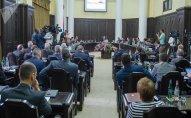 Ermənistanda jurnalistlər hökumətin iclaslarına buraxılmayacaq