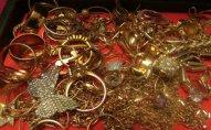 Bakıda evdən 12 000 manatlıq qızıl-zinət əşyaları oğurlandı