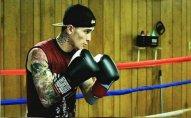 ABŞ-da 12 yaşlı yeniyetmə peşəkar boksçunu güllələyərək öldürüb