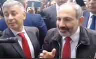 Nikol Paşinyan Yerevanda etiraz aksiyasına qoşulub