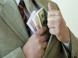 Gürcüstanın dövlət idarələrində rüşvətalma faktları 50%-dən çox artıb
