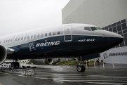 """""""Boeing 737 MAX"""" proqramının rəhbəri istefa verib"""