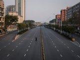 Çin Uhanda karantin rejimini ləğv edir
