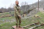 Prezident erməni dilində olan lövhəni sökdürdü — VİDEO