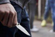 63 yaşlı kişi 27 yaşlı qızı bıçaqlayıb