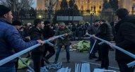Ermənistan siyasi gərginlik davam edir – Müxalifət parlamentin qarşısında