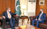 Ceyhun Bayramov Pakistan XİN başçısı ilə görüşdü